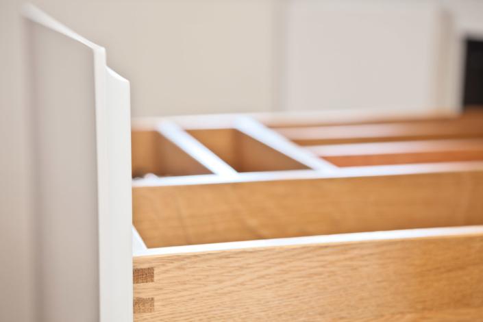 Interieur Schreiner Holz Küchenschieber