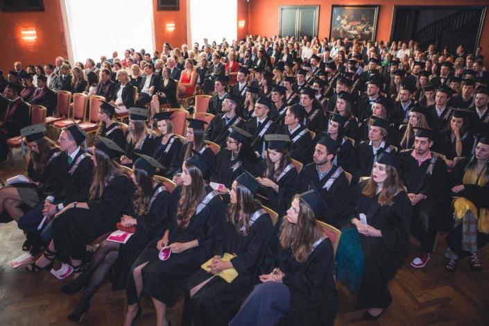 Absolventen und Familie